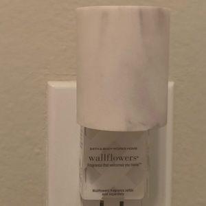 Bath and Body Works Marble Wallflower Plug